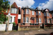 Woodlands Park Road Flat to rent