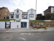 4 bed semi detached property in Sydney Road, Muswell Hill