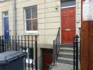 Ground Flat to rent in Wellington Street...