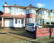 4 bedroom semi detached property for sale in Park Avenue North, London