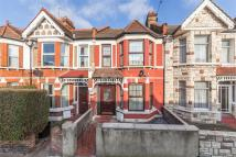 3 bedroom Flat to rent in St James's Drive, SW17