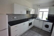 2 bedroom Flat in Queens Road, Peckham