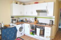 3 bedroom Apartment in 3 bedroom flat Plashet...