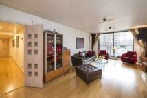 3 bedroom Flat for sale in Kensington West...
