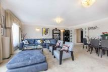 3 bed Flat for sale in Stuart House...