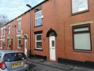 2 bed Terraced house to rent in Queen Street, Royton...