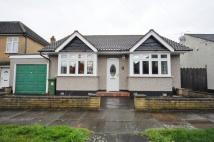 2 bedroom Detached Bungalow for sale in Elm Road, Romford, Essex