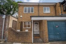 3 bed property to rent in Glentham Road, Barnes