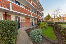 Flat to rent in St Leonards Court...