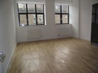 Flat to rent in Manningtree Street...