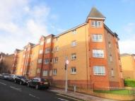 Flat to rent in Golfhill Drive