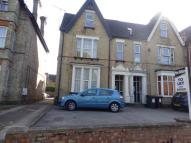 1 bed Ground Flat in Clapham Road, Bedford...