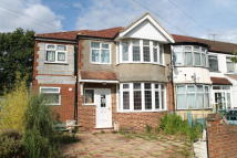 5 bed End of Terrace property to rent in DAVID AVENUE, Greenford...