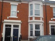 Flat to rent in Wingrove Avenue...