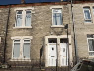 2 bed Ground Flat to rent in Croydon Road...