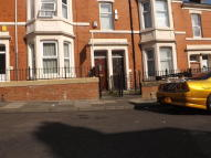 3 bedroom Flat in Ellesmere Road, Benwell...