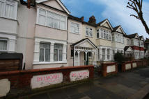 6 bed Terraced property to rent in Mervyn Road, London, W13