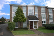 Oakley Close Ground Flat to rent