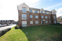 2 bed Ground Flat to rent in Cecil Manning Close...
