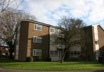 Flat to rent in Chantry Close  EPC - D, ...