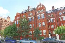 Flat to rent in Hamlet Gardens, London