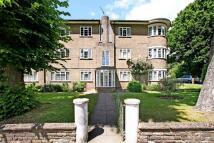 Flat in Gwailor House, N14