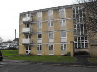 Flat in Walwyn Close, Bath, BA2