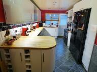 Detached property in Lon Hedydd...