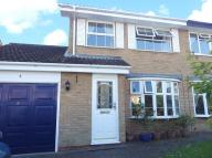 3 bed semi detached home to rent in David Close, Aylesbury...