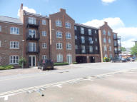 2 bed Apartment to rent in Summers House, Aylesbury...