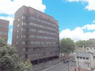 Apartment to rent in Farnsby Street, Swindon...
