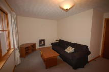 Flat to rent in King Duncans Gardens...