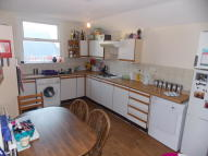 4 bed Flat in Pen Y Wain Road, Cathays...