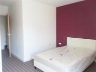 Flat to rent in Richmond Road, Cardiff...