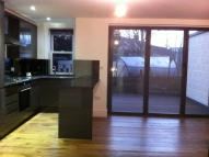 2 bedroom Flat to rent in Plaistow Lane, Bromley...