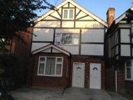 1 bed Flat to rent in BARLEY LANE, Ilford, IG3