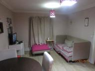 Ground Flat to rent in Royal Crescent, Ilford...