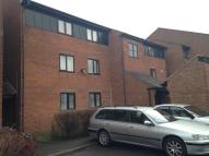 2 bedroom Flat in Sandown Avenue, Dagenham...
