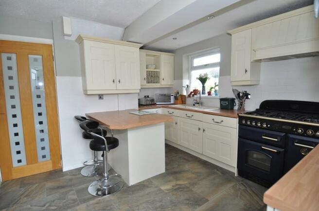 Kitchen & Breakfast Room
