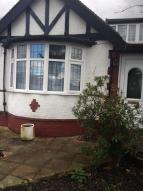 3 bed Detached Bungalow to rent in Byng Drive, Potters Bar...