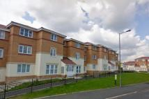 2 bed Ground Flat in Waring Avenue, Parr...