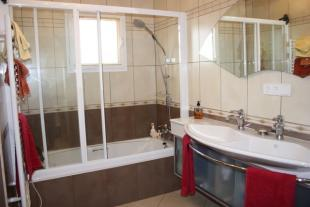 newly fitted en suite bathroom