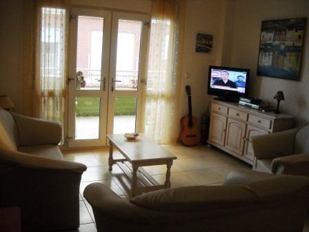 Lounge with access to balcony