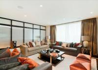 3 bed Flat in Pan Peninsula Square...