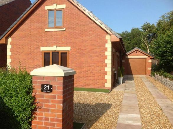 3 bedroom detached bungalow for sale in Valley View ...