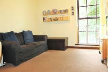 Flat to rent in Wellington Street...