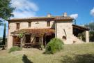 Country House in Ripe San Ginesio...