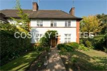 5 bed semi detached house in Northway...