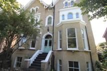 Flat to rent in Stratheden Road London...
