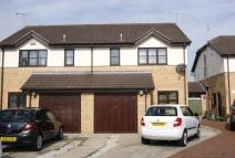 3 bed semi detached house to rent in Halstonwood Close...